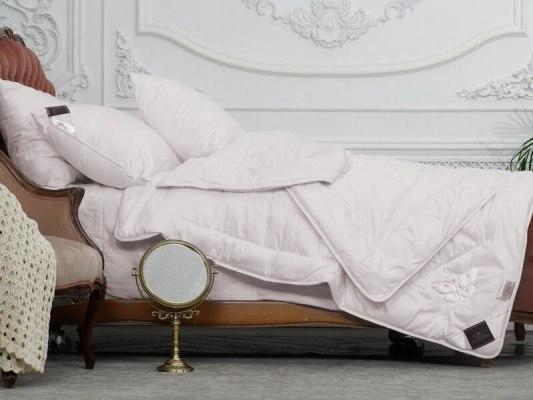 Одеяло Trois Couronnes Luxury Silk 1